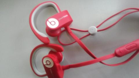 audífonos inalámbricos Marca Power Beats