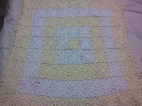 Bella Manta Para Recien Nacido tejida A Crochet Excelente