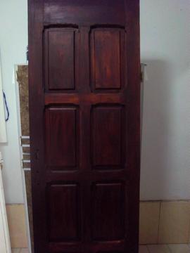 Puerta principal En Madera Maciza