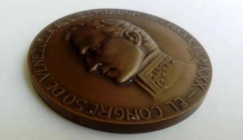 Medalla del centenario de la muerte del Libertador Simón Bolivar