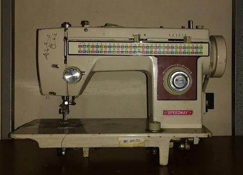 Maquina de coser speedway